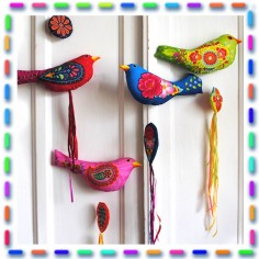 Sewing kit Embroidered bird