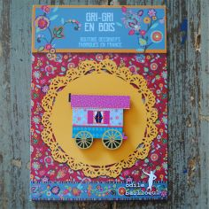 wood button: Purple gipsy caravan