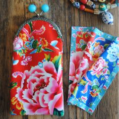 Sewing kit : velvet glasses case Shanghai