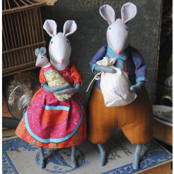 Sewing kit : The attic mice