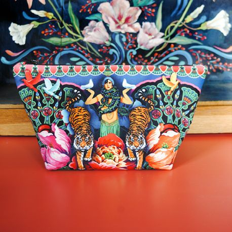 Sewing Kit : Pouch Snake charmer