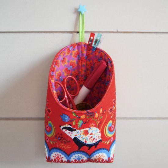 Sewing kit: Little hanging basket Folk